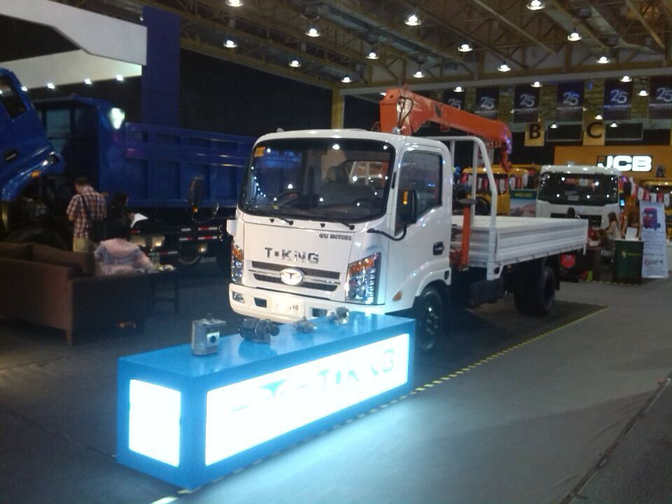 T. King Rhd Light Truck with Isuzu Engine