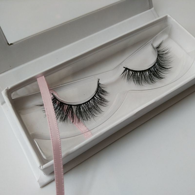 Magic Mink Eyelashes with Premium Own Brand Private Label Box
