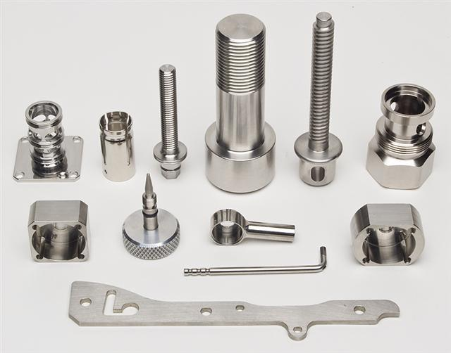 2017 New Products Customized CNC Machining Spare Parts with Stainless Steel