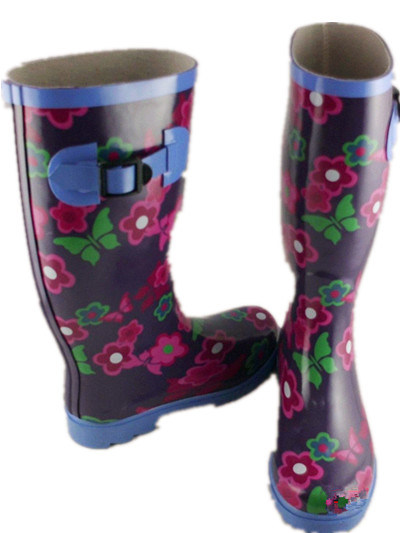 2014 Hot Sale Women' S Rubber Boot, Fashion Ladies' Rain Boot with Rubber Buckle