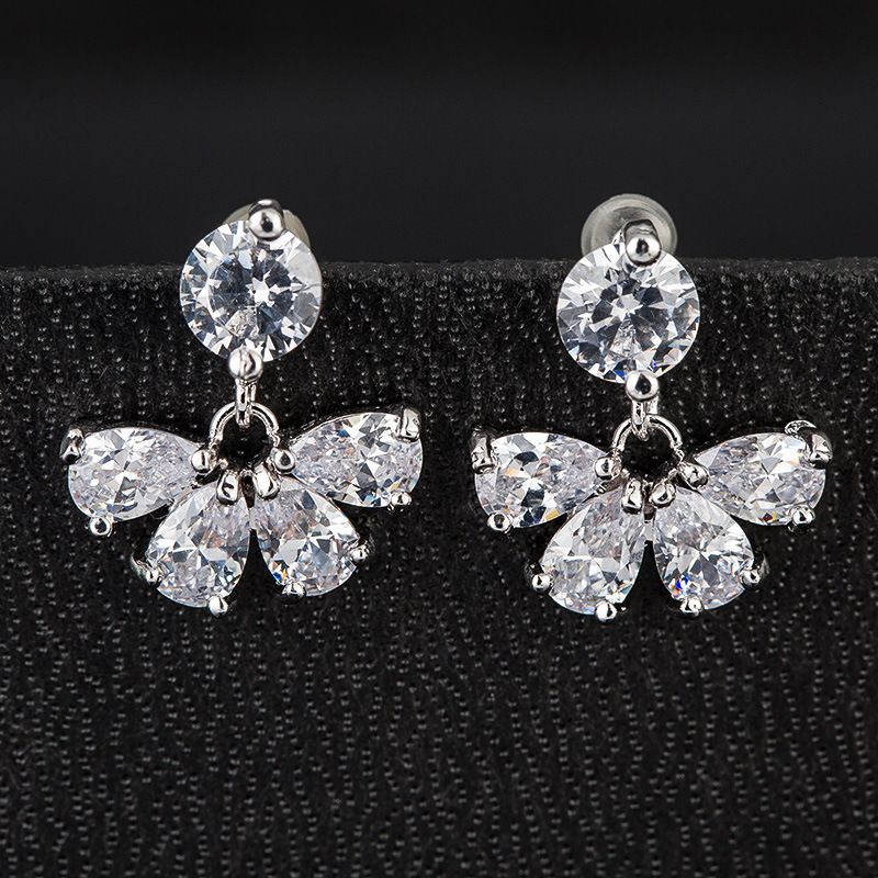 Fashion High Quality Women′s Clear Crystal Zircon CZ Stud Earrings Jewelry