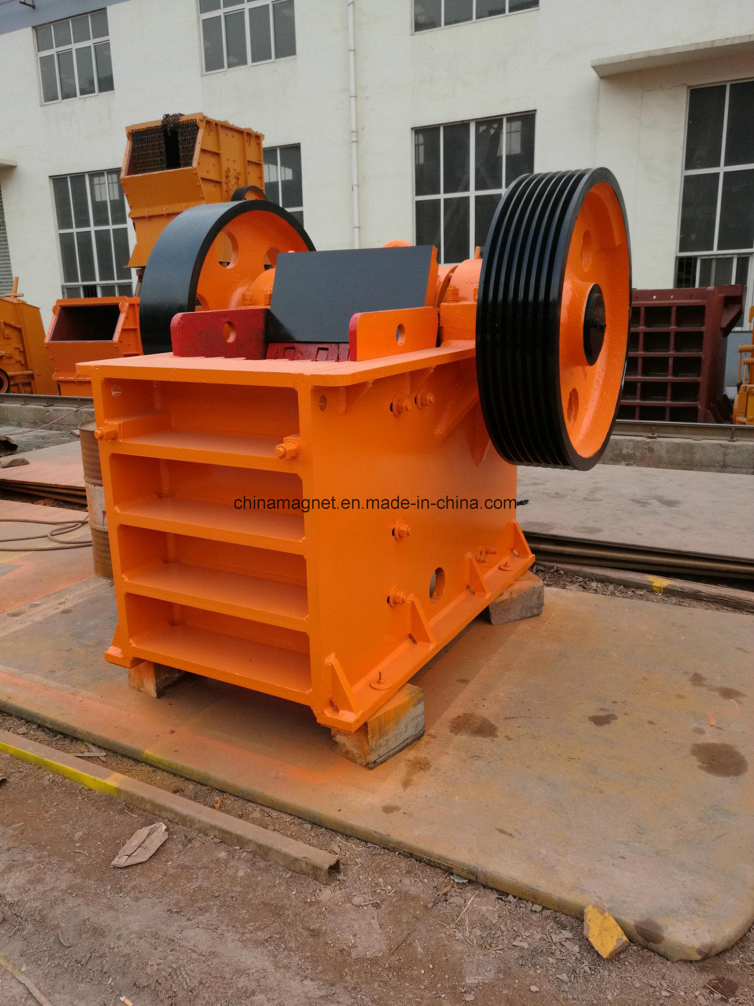 Advanced PE Jaw / Stone Crusher for Quarry/Construction /Limestone/Iron Ore/Mine Ore /Copper Ore/Gravity Primary Crushing