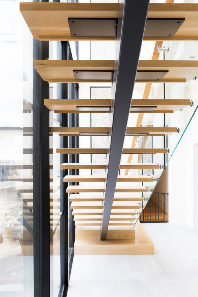 Prefinished Oak Wood Indoor Wooden Staircase Design