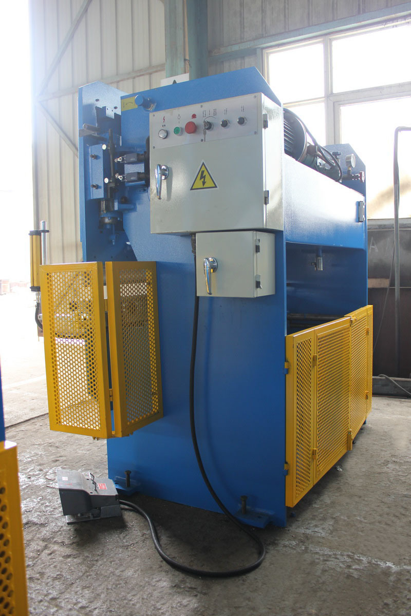 Hydraulic Plate Press Brake with 30t/1600