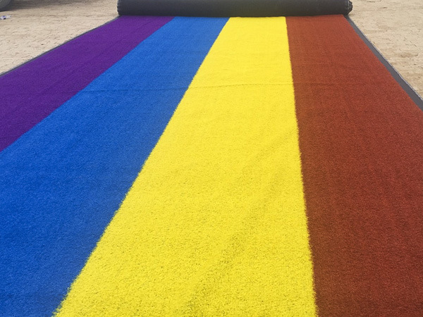 15600tufs/Sqm 20mm Colorful Artificial Turf