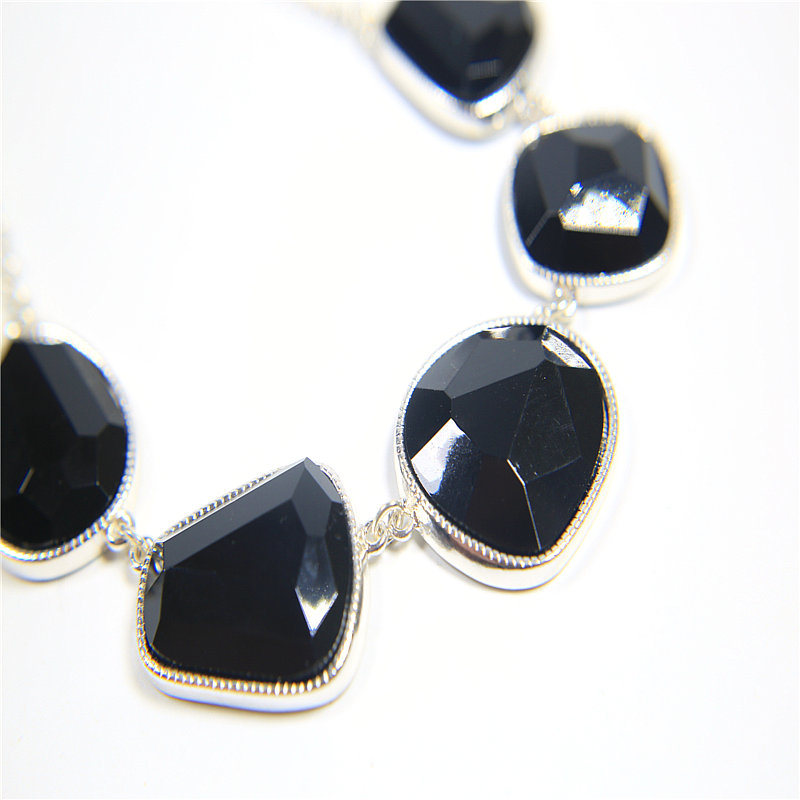 New Item Black Resin Jewelry Set Bracelet Earring Necklaces