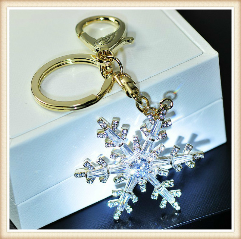 New Design Glass Stones Flower Shape Pendant Fashion Keychain