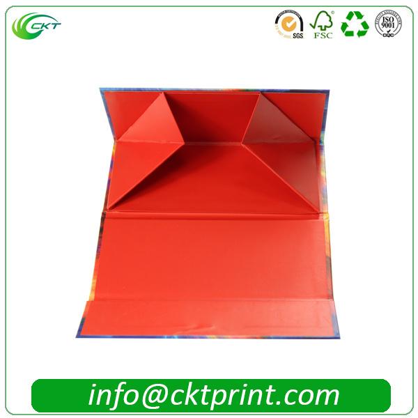 Rigid Folding Ribbon Cardboard Gift Clothes Packaging Box (CKT- CB-149)
