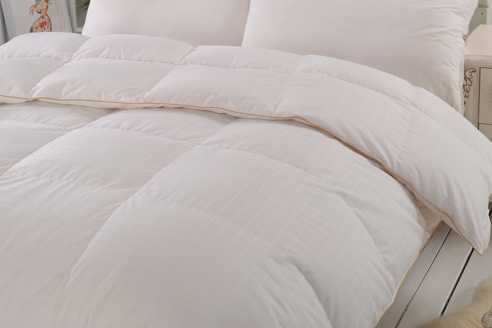70% White Duck Down Duvet, 300t High Count Dobby Cotton Fabric