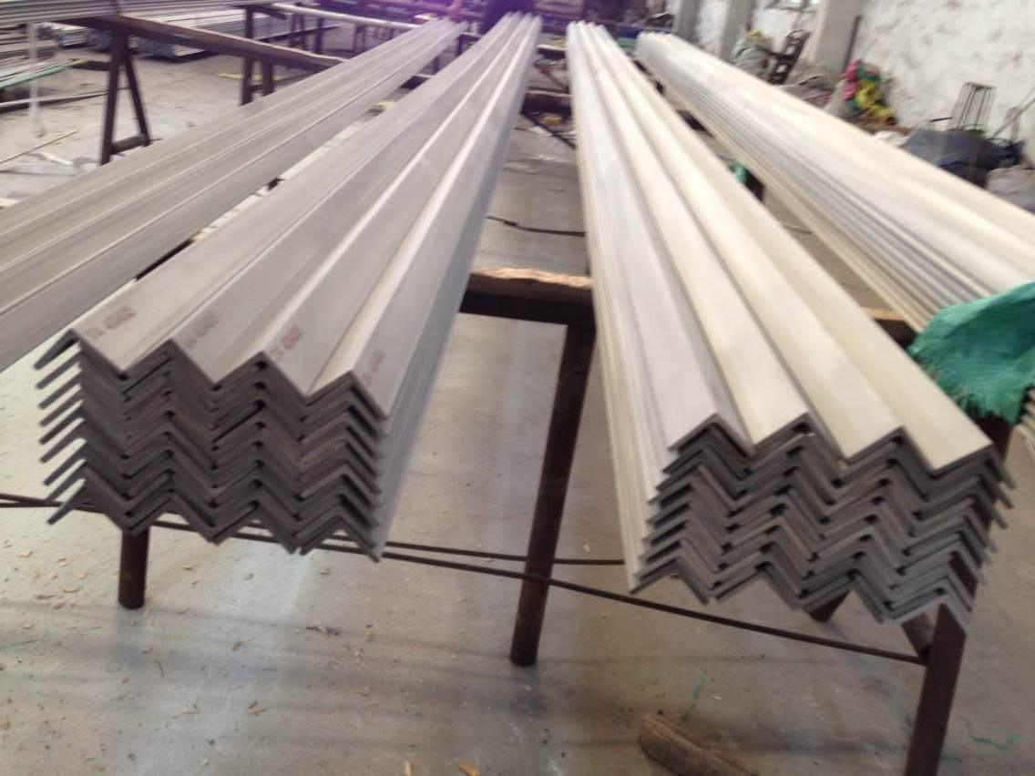 Stainless Steel Angle Bar AISI 316L