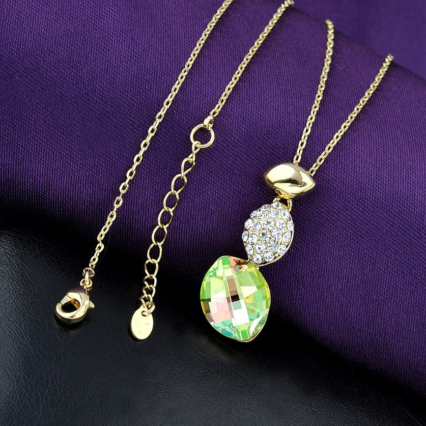 New Item Alloy Crystal Pendant Fashion Jewelry Necklace