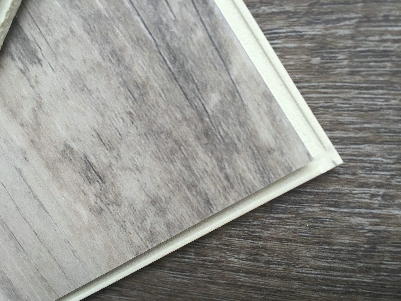 WPC Vinyl Flooring Tiles Planks with Soft Wood Underlay (super soundproof)
