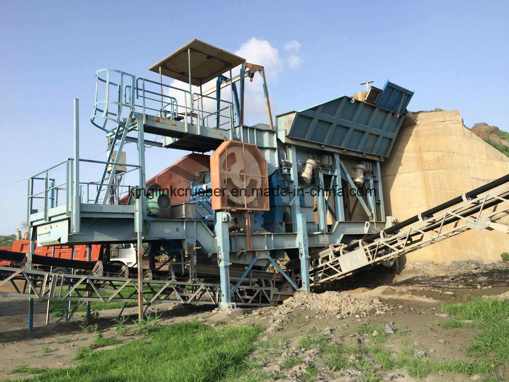 250tph Sandvik Granite Stone Crushing Plant for Producing Aggregates and Sand