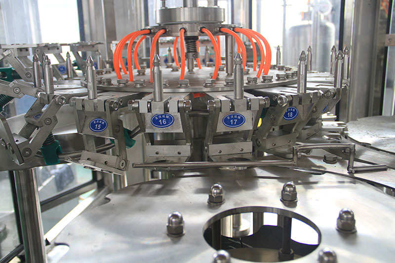 Automatic Carbonated Soft Drink Filling Machine for Small Plastic Bottle