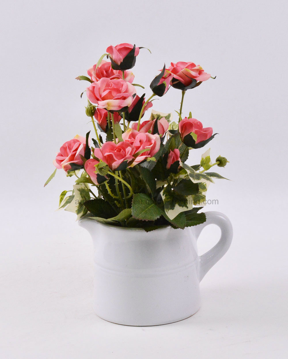 Decorations Vivid Rose Bouquet in Ceramic Kettle-Shaped Potted