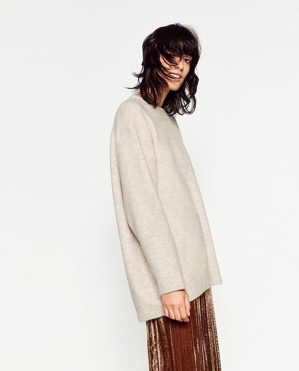 Fashioned Women Knitting Sweater