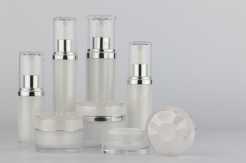 Acrylic Set Bottles for Skin Care