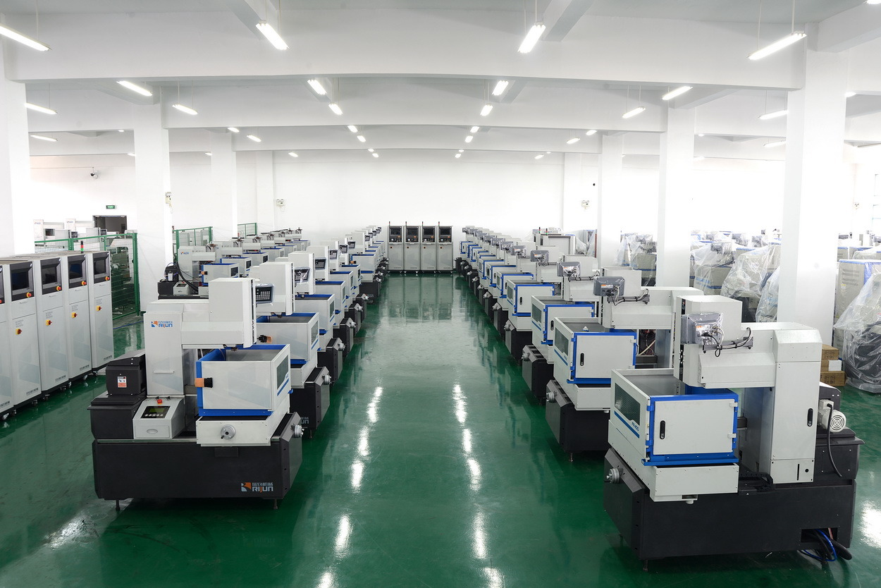 Fr-700g EDM Wire Cut Machine