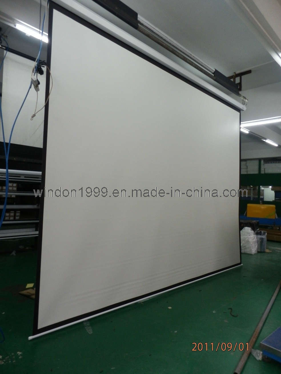 China Large Size Electric Projector Screen Big Motorized