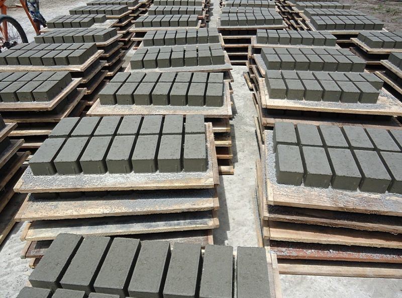 Brick Making Machine / Block Making Machine (QTJ4-40)