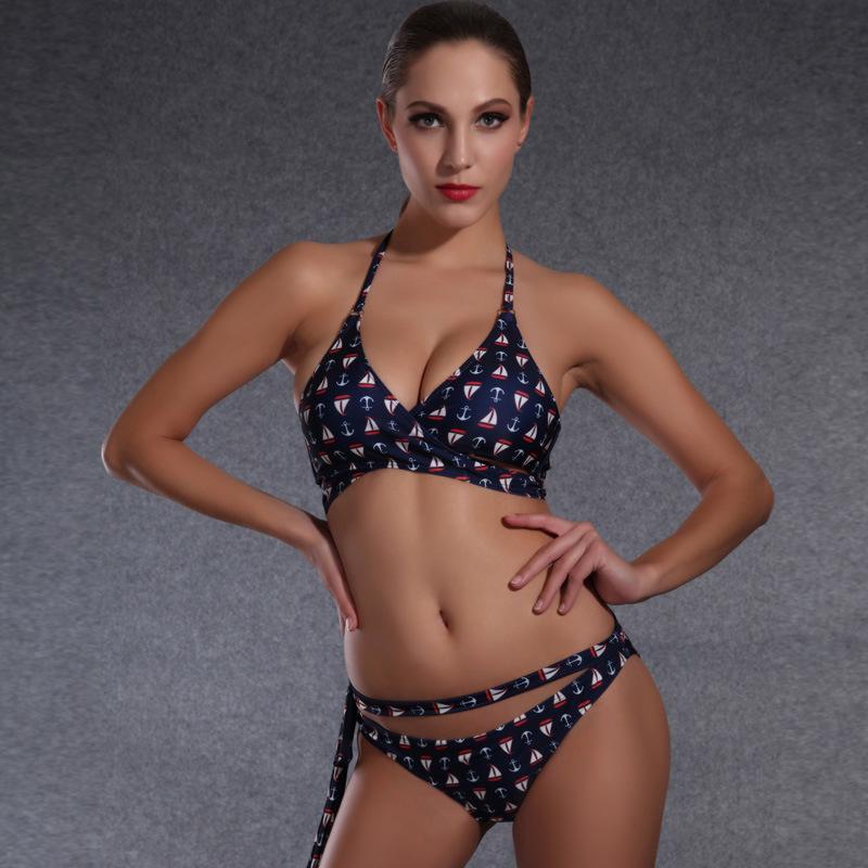 Girl′s Fashion Bikini Beads Flower Decorated Swimwear Beachwear