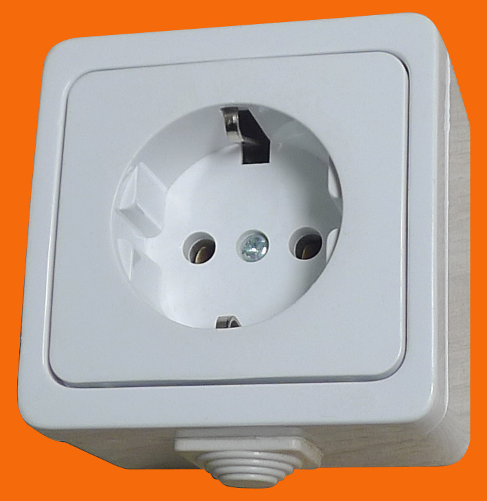 European Style Surface Mounted Schuko Socket Outlet IP44 Socket Wall Socket (S7010)
