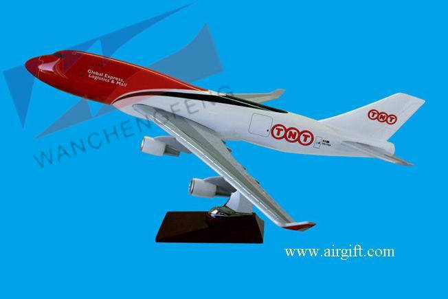 B747 TNT Plane Model