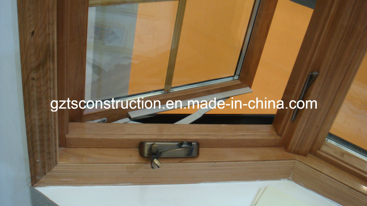 China New Design American Style Hand Outward Opening