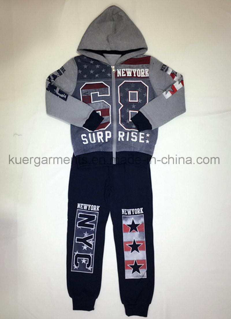 Kids Boy Sports Suit in Children′ S Wear