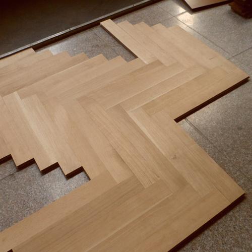 Herringbone Parquet Engineered Oak Wood Flooring