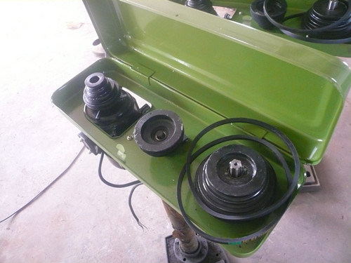 Industrial Type Bench Drilling Machine St-25A