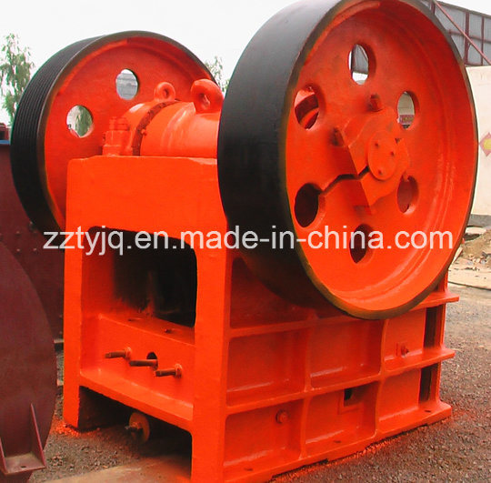 Hot Sale Jaw Crusher/Mining Machine/Cone Crusher/Limestone Crusher