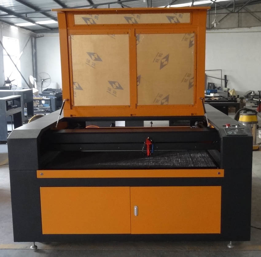 Wood Fabric Leather Acrylic Cutting Machine with CO2 Laser Flc1520
