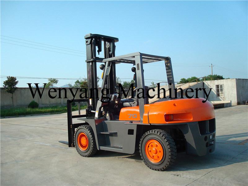China 7ton Isuzu Engine 6bg1 Ce Certificate Diesel Forklift Truck