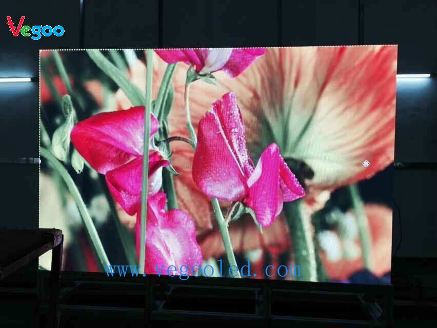 High Definition Indoor Full Color P2.5 Rental LED Display Screen