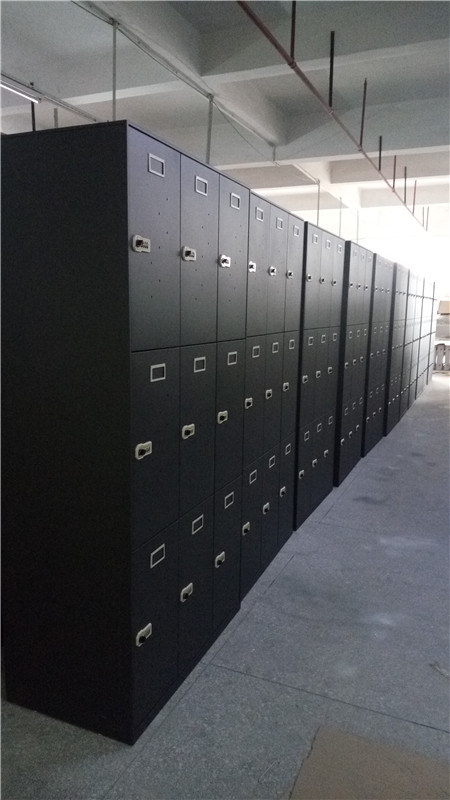 18 Doors Locker with 3 Bays 6 Tiers