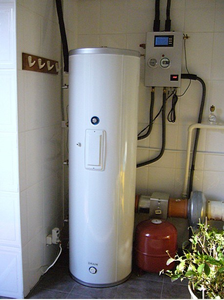 Split Pressurized Copper Coil Water Tank