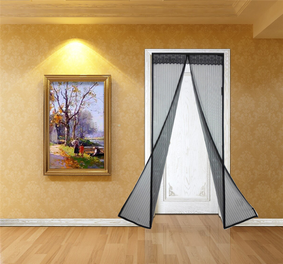 Doorway screen curtain
