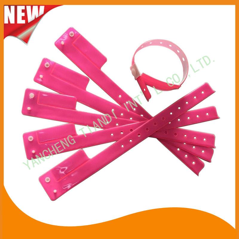 Entertainment 1 Tab Vinyl Wristbands ID Bracelet (E6070-1-8)