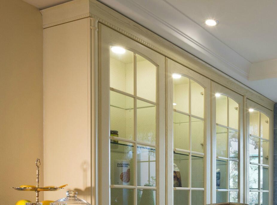 2017 New Modern Solid Wood Kitchen Cabinet Furniture Yb-1706005