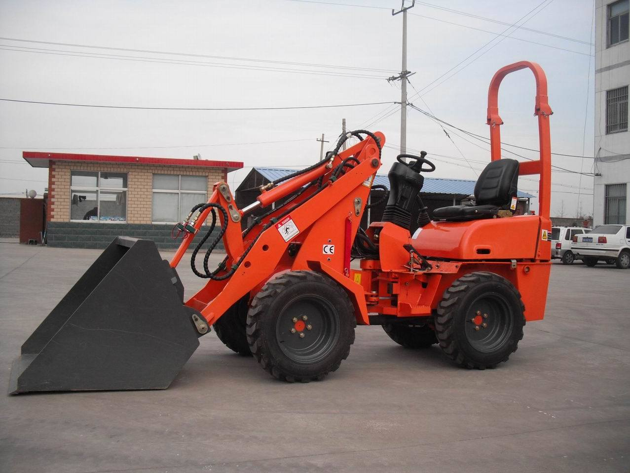 China Multifunctional Mini Loader With Plunger Pump