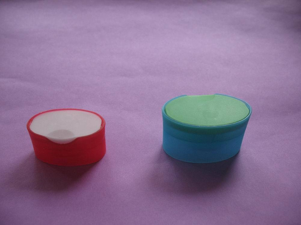 Double Colored Snap Caps for Shampoo and Conditioner