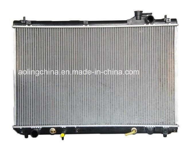 Car Auto Cooling Aluminum/Plastic Radiator for Toyota (16400-5B740)