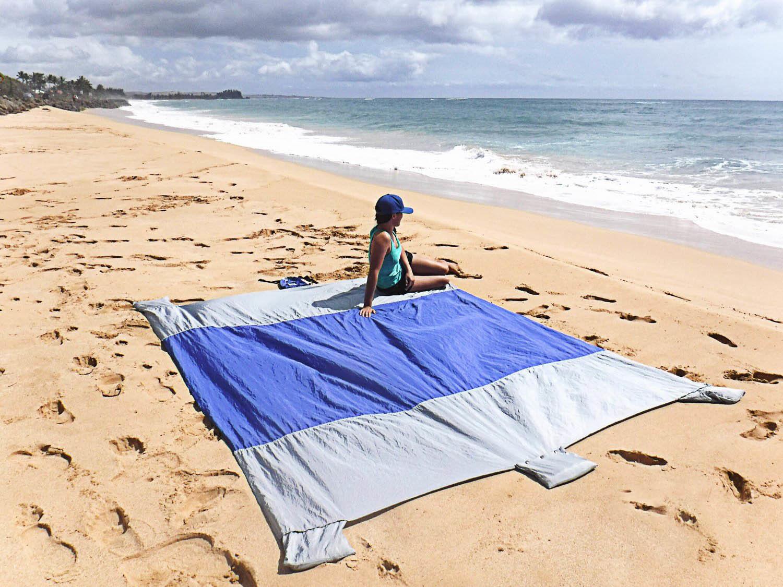 Carries Outdoor Lightweight Beach Blanket Ripstop Nylon Parachute Beach Blanket