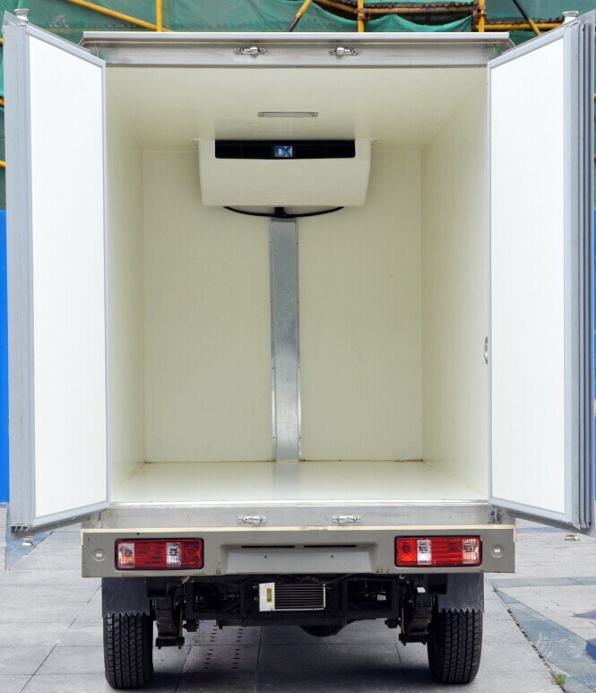 Box Type Electric Refrigerator Truck for Meat Fish Delivery