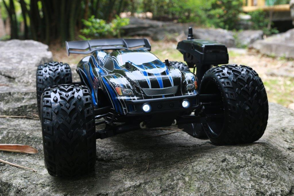 High Speed Smart RC Car with Lipo Battery Power 1: 10th