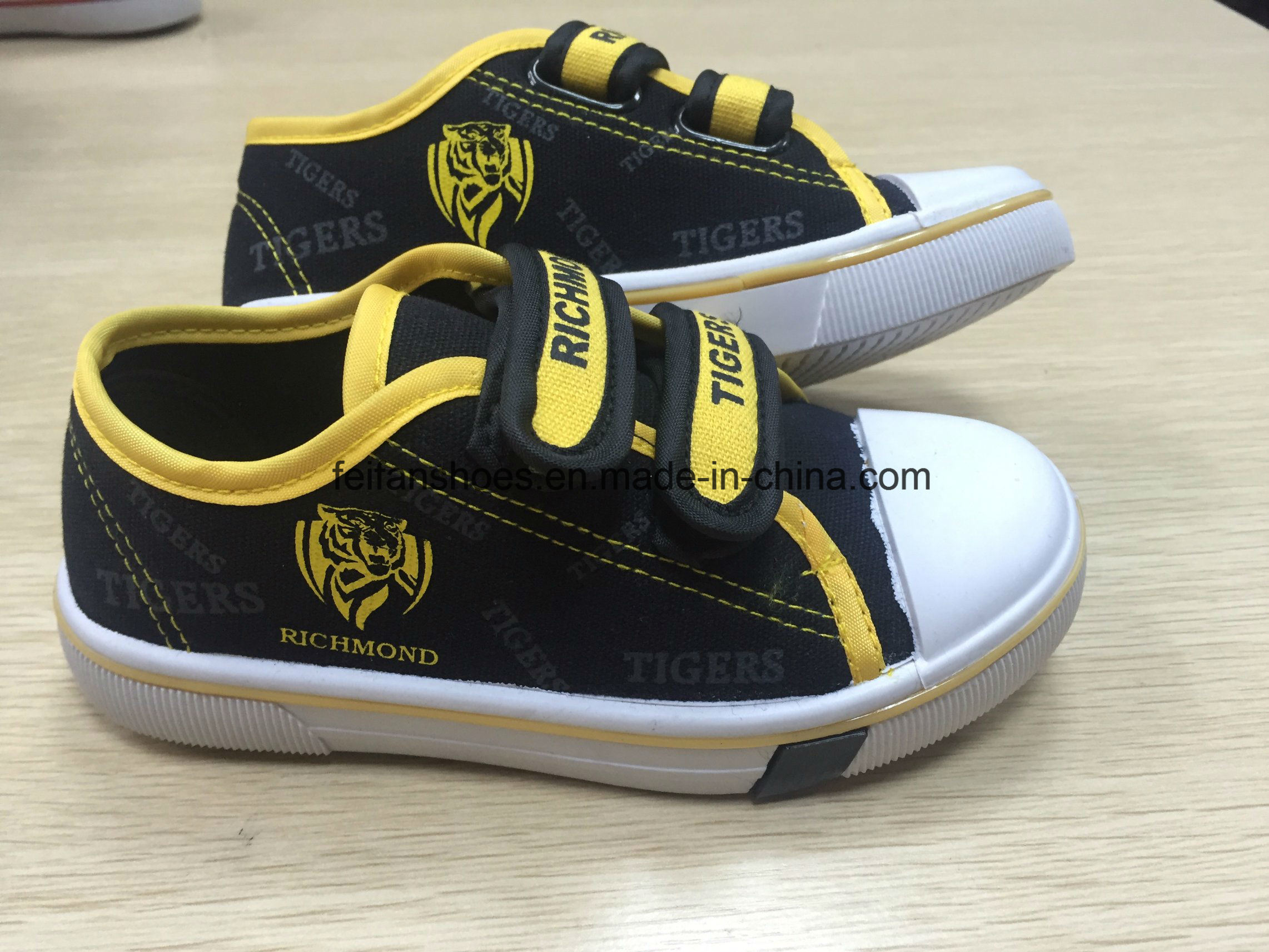 2017 New Magic Tape Children Shoes (HH17603)