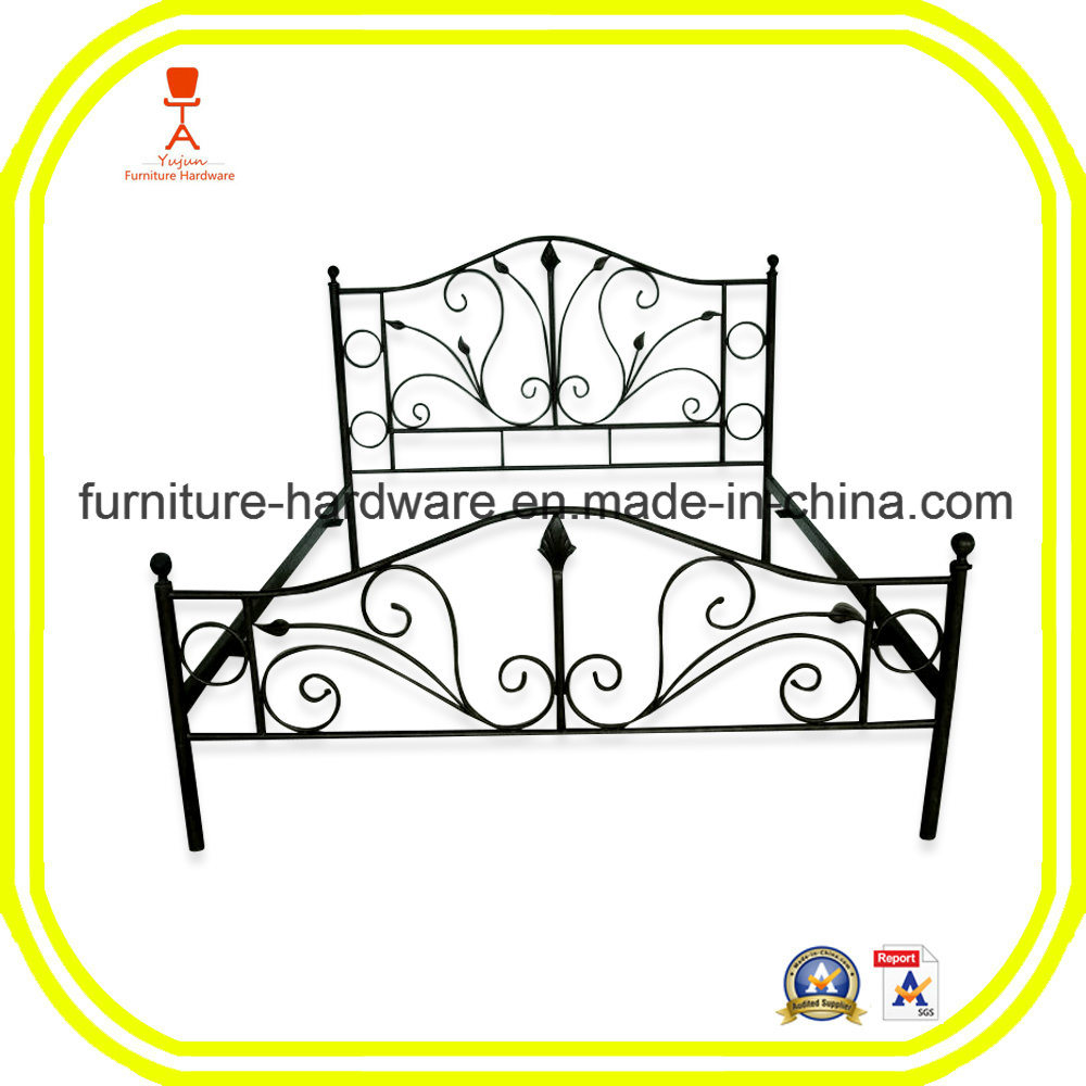 French Style Wrought Iron Custom Iron Bed Frame with Solid Railing