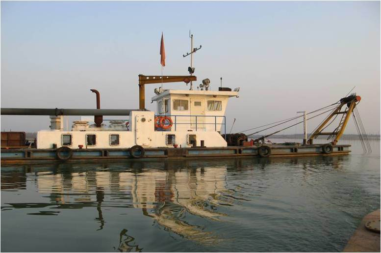 Low Price Dredger with Cummins Engine (CSD 450)
