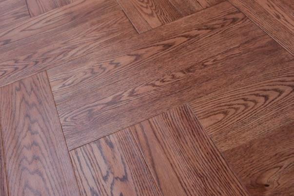 Handscraped 592X148X15mm Oak Three Layer Wood Flooring Gunstock Color2